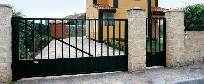 Puerta industrial cancela batiente de roper puertas - Puertas metalicas roper ...